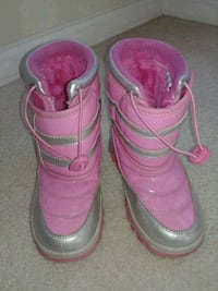 Girl Pink Snow Boots size 1 Germantown, 20876
