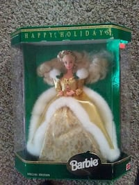 Barbie in beige dress doll with pack Mount Sterling, 40353
