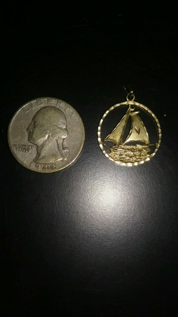Sailboat 14k gold charm 600fc8a5-19ac-4f85-be5f-bbdfcf823107
