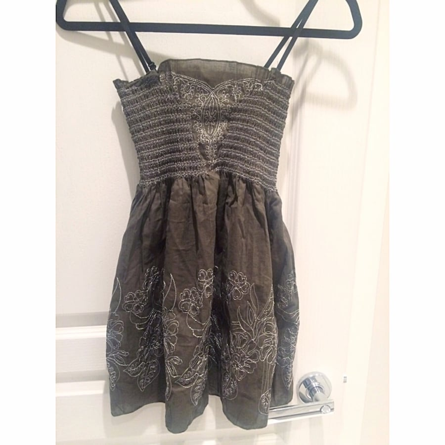 Olive Summer Top! Stretchy top half