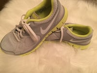 Women's Nike Runners Size 6 Vancouver, V5T