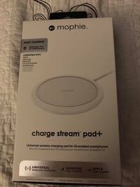 Mophie charge stream pad+ Universal wireless charging  Compatible with Apple, Samsung, Motorola, LG SMARTPHONES.  NEW.  Langley, V2Y 0B4