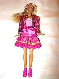 BEAUTIFUL BLOND WITH PURPLE STRIPE IN HAIR BARBIE null