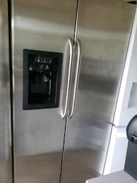stainless steel side-by-side refrigerator with dispenser Dallas, 75236