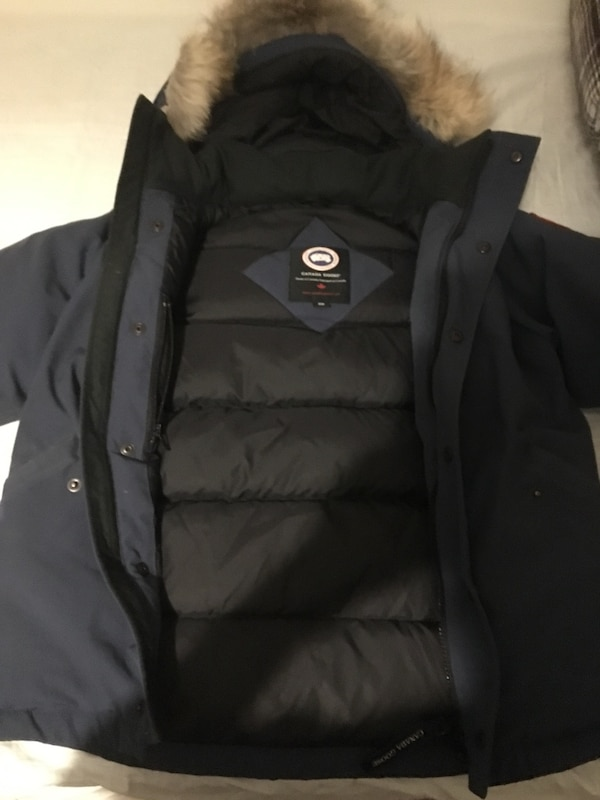 outlet store 8cb30 16fd0 Used Canada Goose Barn Jacka For Sale In Stockholm Letgo