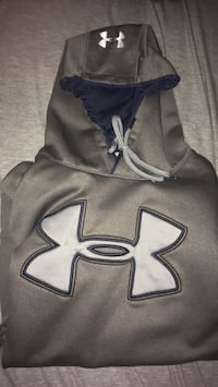 Black and white under armour pullover hoodie London, N6E 1L2