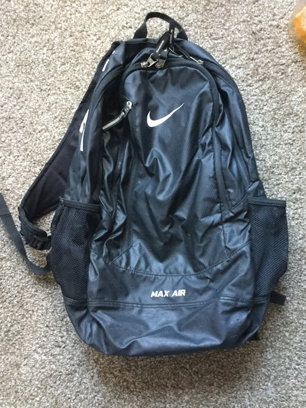 1ee4ea3a798ad Used Nike max air backpack. for sale in Albuquerque - letgo