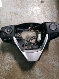 2014 Toyota wheel controls with paddle shifters