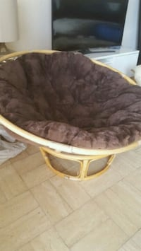 brown wooden framed brown padded papasan chair Miami, 33184
