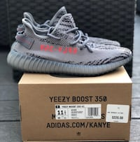 pair of grey Adidas Yeezy Boost 350 V2 shoes with box Tulare, 93274
