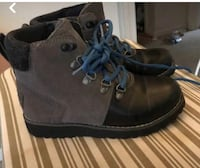 pair of brown leather work boots Capitol Heights, 20743