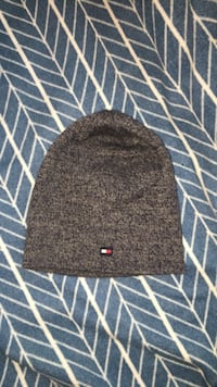 Never worn tommy hat
