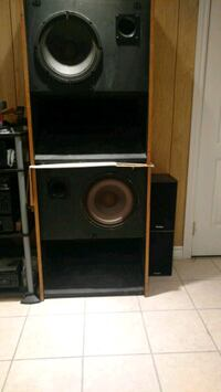CUSTOM BUILT 2 WAY SPEAKERS Toronto, M3L 0C4