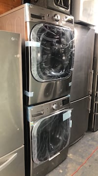 New LG 5.2 Cu Ft Front Load Washer and Gas Dryer Set  New York, 10469