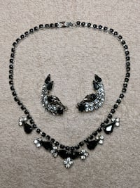 Vintage rhinestone choker and earrings 1638 mi