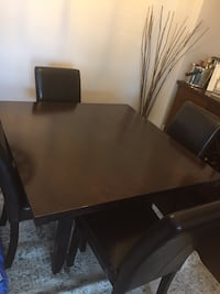 Solid wood dining table  Mississauga, L5C 1M1