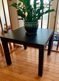 Black end table  Gainesville, 20155