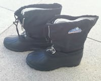 pair of black duck boots St. Catharines, L2N 1Y6