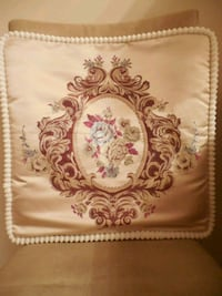 New 4 x satin pillows with floral stitched pattern Toronto, M6L 1A4