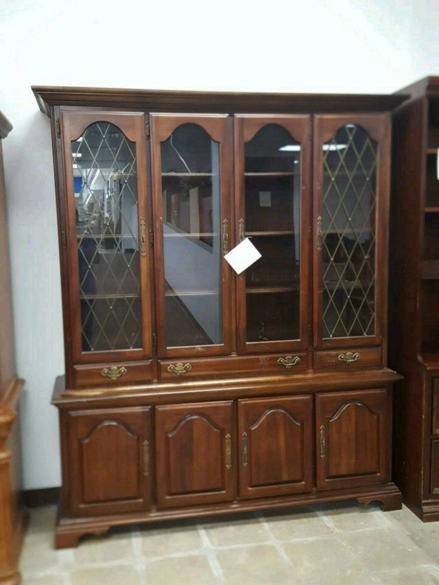 used 2pc oak china hutch for sale in dallas letgo rh us letgo com