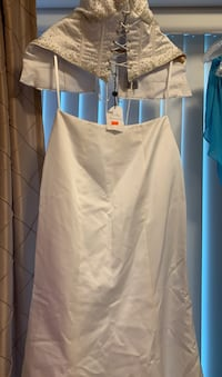 New White Marriage Dress/glossy-glittered Vancouver, V6T 3H9