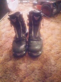 pair of black leather boots Kamloops, V2B 3C9