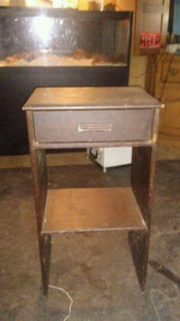 End table  Grand Rapids, 49503