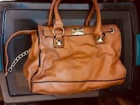 3 purses & 3 wallets  all for $25 Las Vegas, 89110
