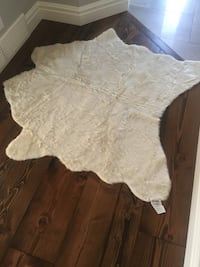 New faux cowhide area rug off white  3144 km