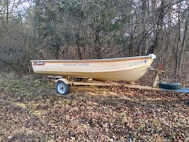 Aluminum fishing boat 14' with titles!