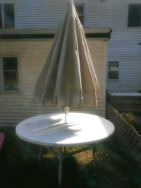 patio table East Patchogue, 11772