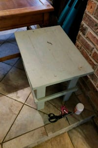 Small homemade side table Lafayette, 70503
