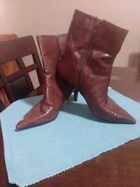 pair of brown leather boots Dallas, 75220