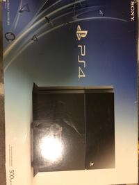 Ps4 500GB +2 controllers + 8 game Maple Ridge, V2X