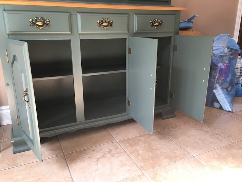 Cabinet with hutch 1