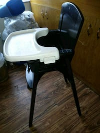 baby's white and black high chair Hayward, 94544