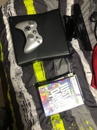 Xbox 360 w/Kinect +2 controllers!