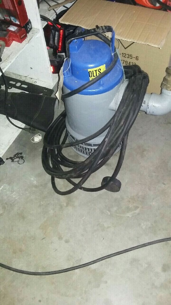 """Water pump flygt 3""""- 60' cord ready to go"""
