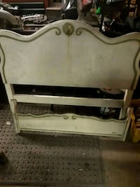 Old vintage headboard set for youngsters Mayville, 14757