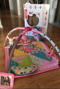 Infantino deluxe twist and fold
