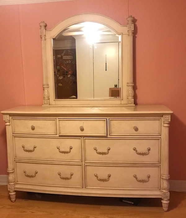 Havertys Dresser With Mirror Bestdressers 2019