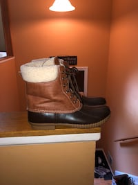 black-and-gray duck boots Linganore, 21774