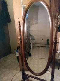 Elegant full length wooden mirror Capitol Heights, 20743
