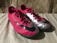 Nike indoor soccer  shoes size 6 Vaughan, L4H 0C8
