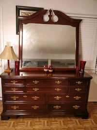Nice wooden BASSETT big dresser with 10 drawers an Annandale, 22003