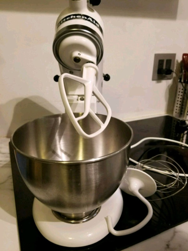 kitchen aid classic plus mixer.