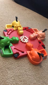original hungry hungry hippos toy set  Centreville, 20121