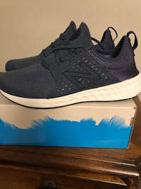 Pair of NB ultra boost shoes with box Danvers, 01923