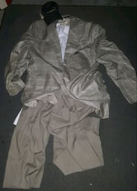 2 dress suits 2 extra dress pants 1 draw string  Puyallup, 98373