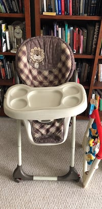 baby's white and gray high chair Gaithersburg, 20879